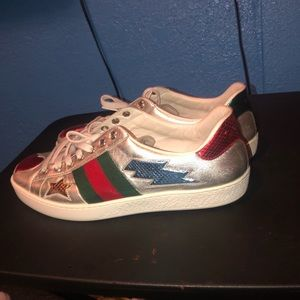 Gucci  lowtop size 8 fits US 9.5 (slightly worn)